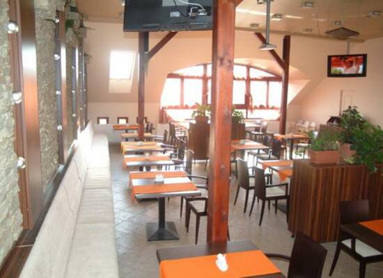 Esztergom Grill Terasz étterem és pizzéria