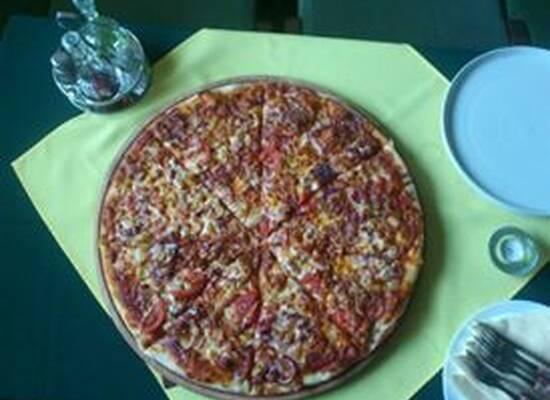 Belvárosi Söröző És Pizzéria